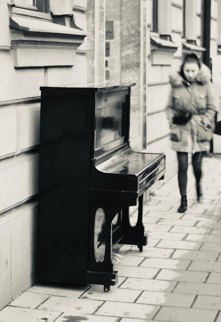 Foto ID: 1042, Piano Karlavägen 30×20 cm 2500 kr